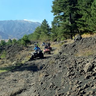 Etna quad excursion - guidare sulla lava