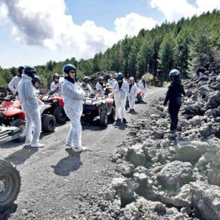 Etna quad tour - gruppo con guida